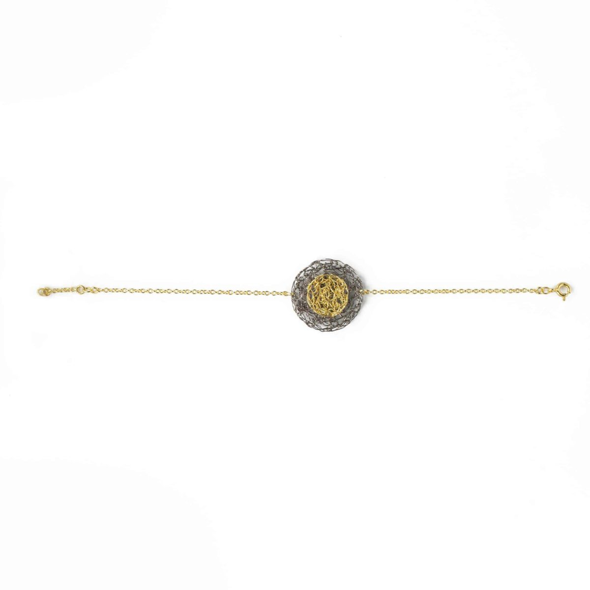 round charm bracelet in gold color