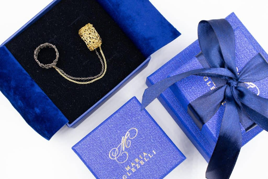 made in Italy blue boxes with slave ring